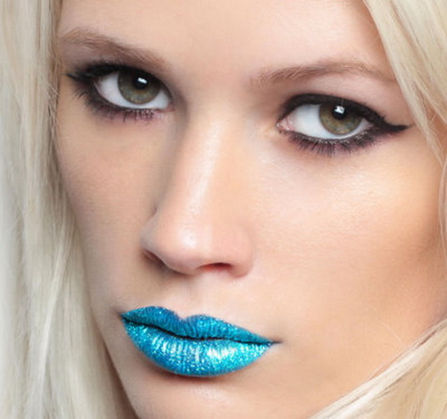 blue lip tattoo for women Lips Tattoo Risk