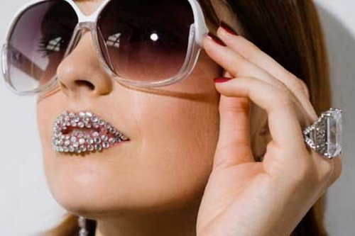 diamon lip tattoos girls Lip Tattoo Ideas for Everyone