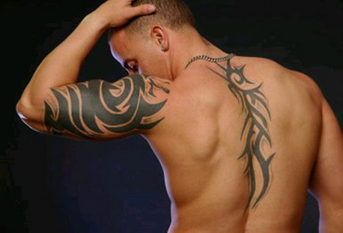 tribal-tattoo-on-back-men